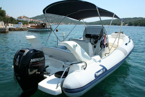 marlin boat 20
